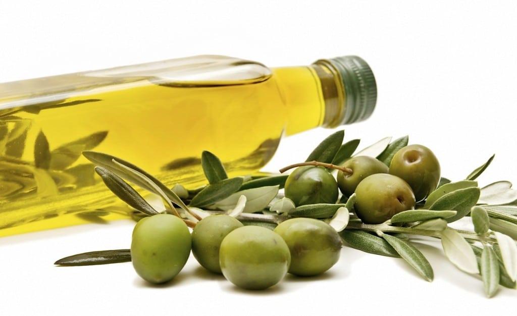 5-alimentos-para-una-dieta-baja-en-colestrol-aceite-de-oliva