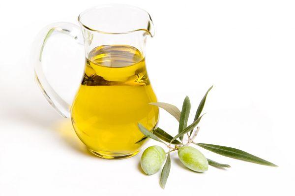 Tratamientos-para-hidratar-el-cabello-aceite-de-oliva-1024x680_opt