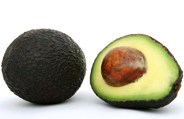 Alimentos-prácticos-para-rejuvenecer-la-piel-aguacate-1024x665_opt