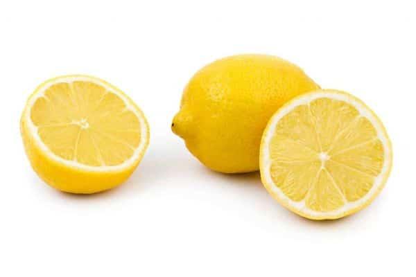 Alimentos-prácticos-para-rejuvenecer-la-piel-limón-1024x683_opt