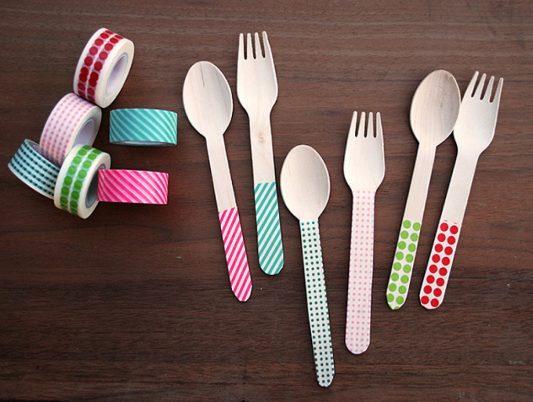 Cubiertos plásticos decorados para fiestas