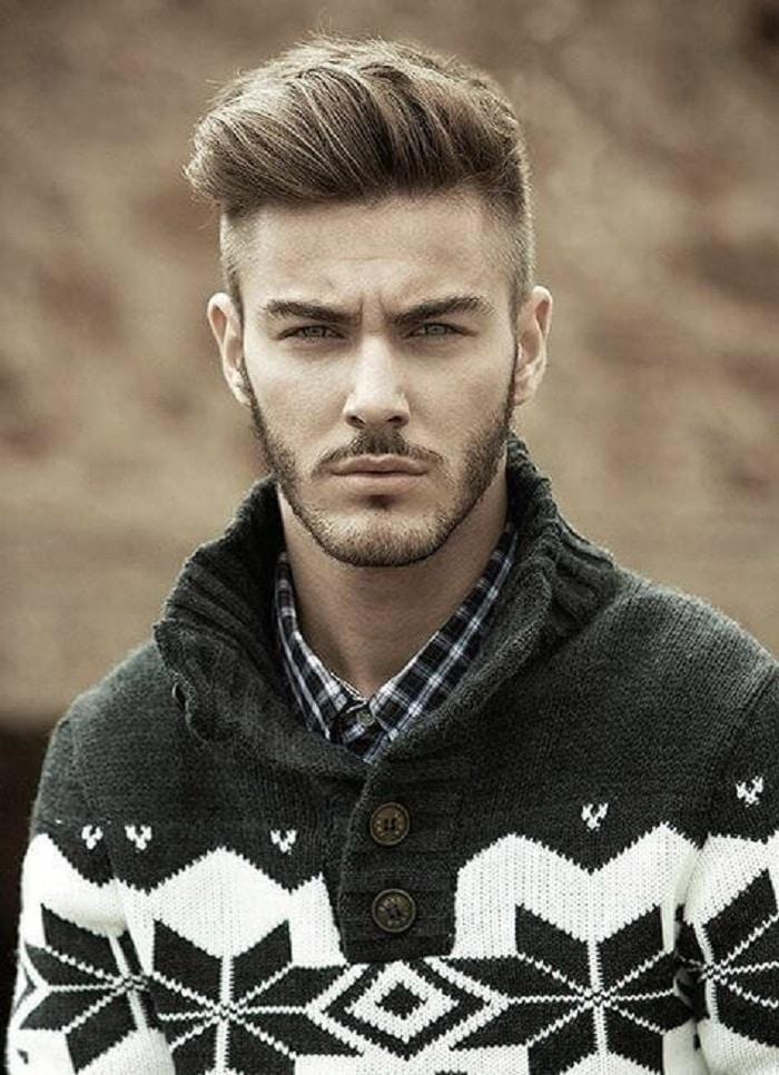 cortes de pelo hombre corto en forma de pompadour