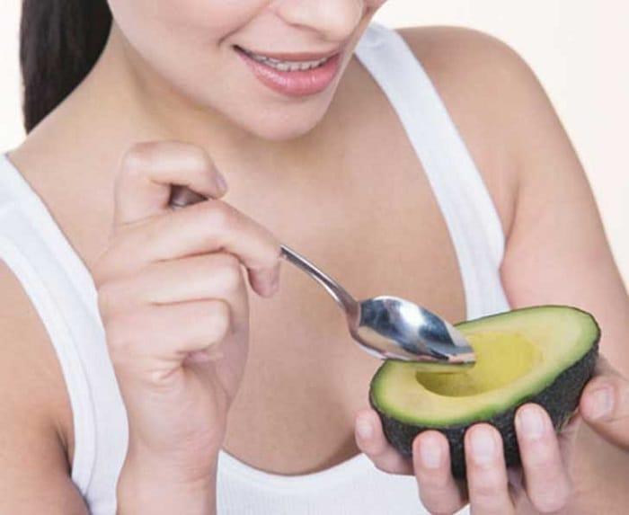 el aguacate es una fruta o verdura y como se come