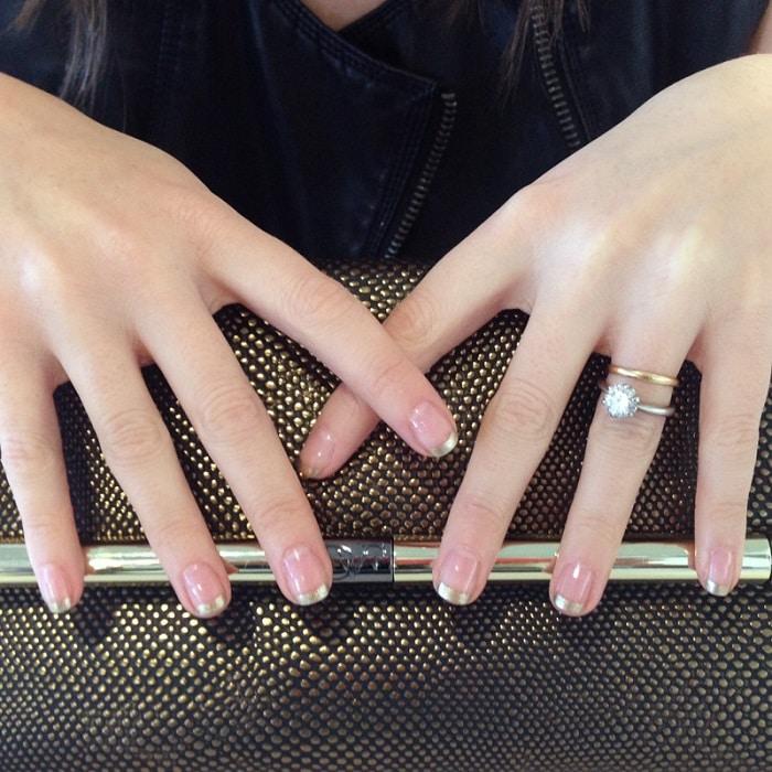 manicure para novias doradas