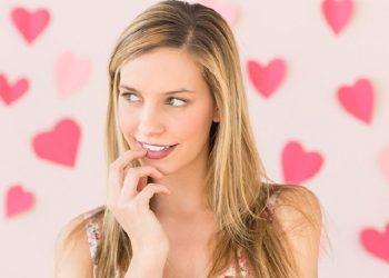 5 Actitudes de ser femenina que enloquecen  a los hombres
