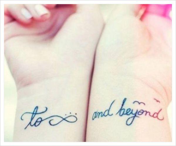tatuajes para mujeres en la muñeca