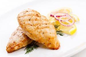 el pollo y los alimentos que ayudan a eliminar la celulitis