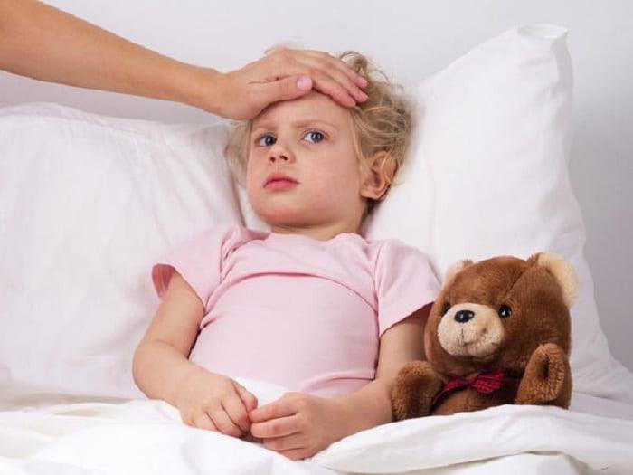 sintomas del dengue en niños