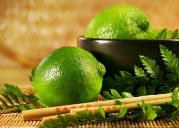 Limones en agua para las malas energias   Como limpiar tu hogar y ambiente laboral