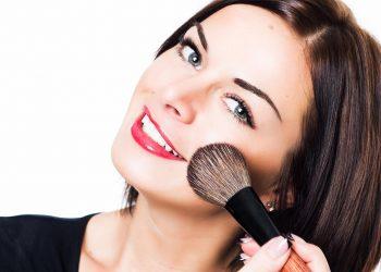 Entérate de cómo hacer un hermoso maquillaje sencillo paso a paso
