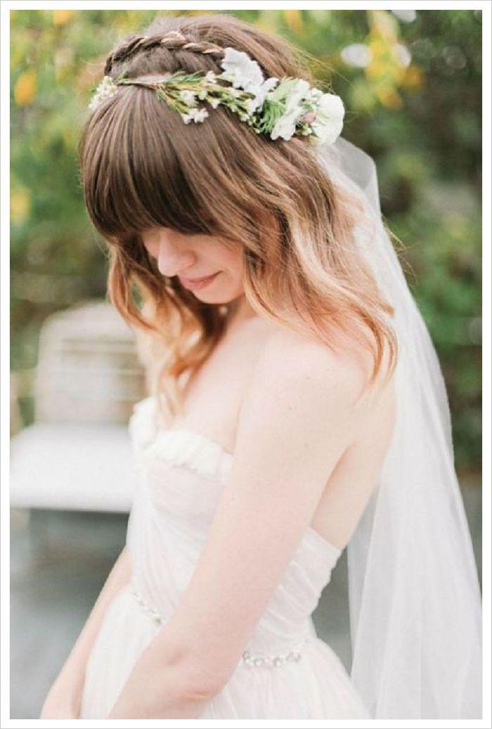 peinados para novias con velo y flores