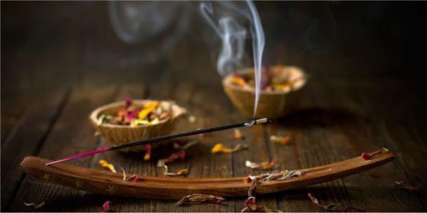 Aroma y buena vibra con estos inciensos para el hogar