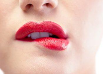 Aprende como tener los labios rojos de manera natural