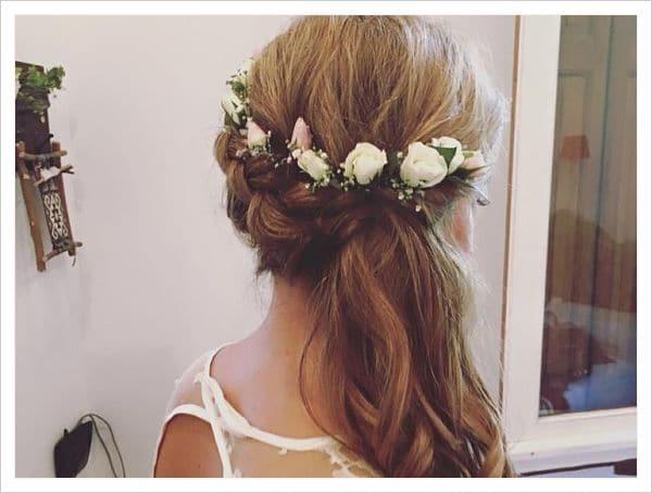 peinados de corona de flores