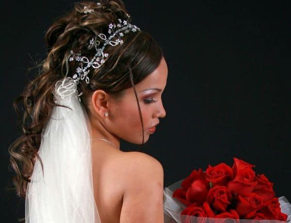 Peinados para novia sin velo