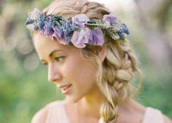 ¡Hermosos peinados con corona de flores que te encantaran!