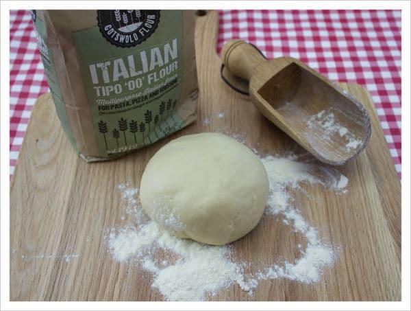 receta de masa de pizza italiana