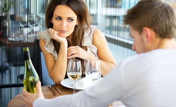 6 Señales de que le gustas a un hombre ¡No fallan!