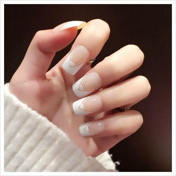 Tipos de uñas postizas ¡Descubre cual se adapta mejor a ti!