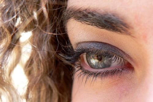maquillaje de ojos grandes